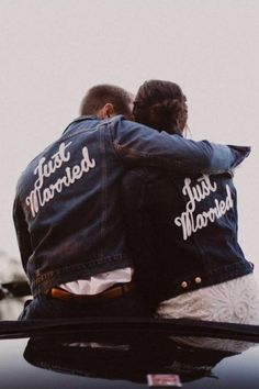 Rock and roll wedding , denim jackets , Turn heads as you walk down the aisle Wedding Day Tips, Wedding Goals, On Your Wedding Day, Wedding Couples, Wedding Reception, Farm Wedding, Wedding Planning, Denim Wedding, Wedding Jacket
