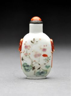 A Daoguang Porcelain Snuff Bottle with Cranes