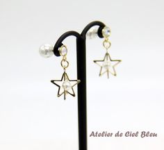 Gold Star Earrings with Crystal Stud and Pearl Catch by AtelierdeCielBleu