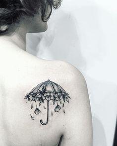 #tattooartist #tattooart #inked #annabravo#botanicaltattoo #umbrella #umbrellatattoo#tatted #tatte#tattoolove #blacktattoo#dotwork