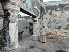 Священник Александр Михайлов восстанавливает в Волжске единственную архитектурную достопримечательность, превратившуюся в руины