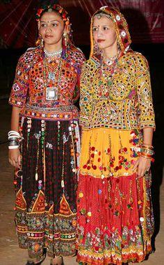 Gujarati girls in traditional dress