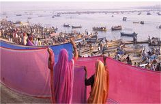 #Sangam, a bewildering sight of two waters, a muddy #Ganga and a yellowish-green #Yamuna meeting, yet not mingle and blend, each carrying their own identity to the last inch.-kumbh mela