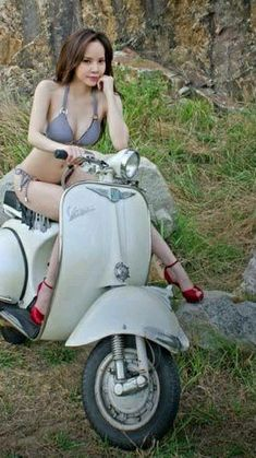 Scooter Girl – Life of Freedom Scooter Girl Scooter Girl Piaggio Vespa, Lambretta Scooter, Vespa Scooters, Vespa Vbb, Scooter Girl, Vespa Girl, Lady Biker, Biker Girl, Motos Vespa