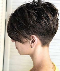 50 besten Pixie und Bob Cut Frisur Ideen 2019 50 Best Pixie and Bob Cut Hairstyle Ideas 2019 Short Hair Cuts For Women, Short Hairstyles For Women, Bob Hairstyles, Back Of Short Hair, Short Short Hair, Pixie Cut Back, Pixie Haircut For Thick Hair, Short Pixie Haircuts, Undercut Pixie Haircut