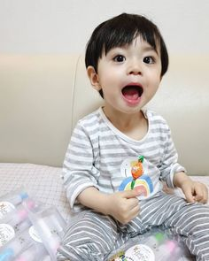 Image may contain: 1 person, child and baby Cute Baby Boy, Cute Little Baby, Lil Baby, Little Babies, Cute Kids, Little Boys, Baby Kids, Cute Asian Babies, Korean Babies