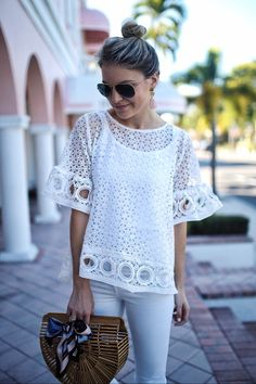 Amazing spring outfits /  White Lace Tee / White Skinny Jeans / Wood Clutch