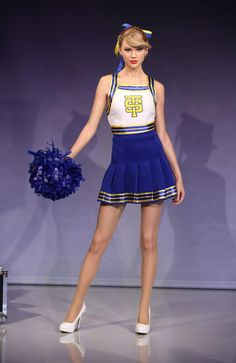 LONDON, ENGLAND - FEBRUARY 10: A wax figure of Taylor Swift is unveiled at Madame Tussauds on February 10, 2015 in London, England. (Photo by Tim P. Whitby/Getty Images) WAXWORK