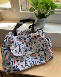 🧵✂️ Mon look cousu main 🧵✂️ sur Instagram: Mon deuxième sac boogie de chez @patrons_sacotin dans un tissu coup de cœur de chez @tissusdesursules. Avec lui, je suis officiellement…