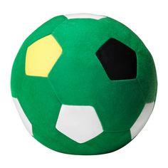 Och en ny fotboll för den gamla tappades bort på vägen hem förra gången vi var på IKEA... SPARKA Mjukleksak, grön - grön
