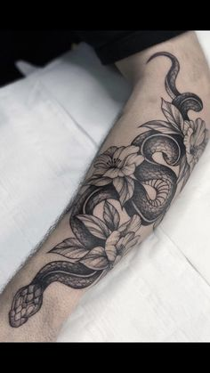 tattoo of hands blackwork \ tattoo of hands blackwork & hands tattoo blackwork & praying hands blackwork tattoo Sharpie Tattoos, 12 Tattoos, Black Ink Tattoos, Body Art Tattoos, Hand Tattoos, Small Tattoos, Tatoos, Snake Around Arm Tattoo, Snake And Flowers Tattoo