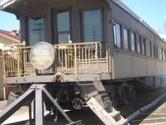 Old Train .now at the Wheel of Time Museum in Peoria, IL, used to be a restaurant, we ate there first my sister high-school graduation dinner. Best Places To Eat, Places To Visit, America City, Peoria Illinois, Vintage Soul, Kid Activities, Wonderful Places, Day Trips, Trains