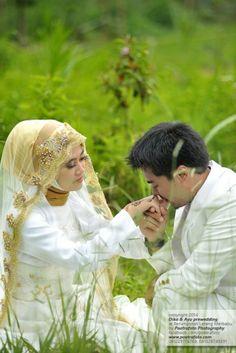 Foto PreWedding Outdoor Dika+Ayu dg Gaun Pengantin Muslim Modern, Pre Wedding di Yogyakarta, http://prewedding.poetrafoto.com/foto-prewedding-dg-gaun-pengantin-muslim-modern-dika-ayu-di-yogyakarta_502