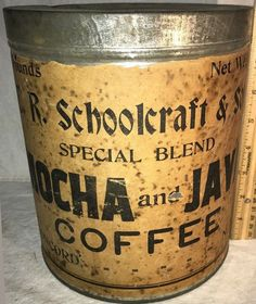 R. Schoolcraft Special Blend Mocha and Java Coffee Vintage Tins, Vintage Coffee, Antique Coffee Grinder, Coffee Tin, Tin Containers, Coffee Packaging, Tin Signs, Baking Ingredients, Mocha
