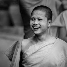 #Monk, #LuangPrabang, #Laos - www.gdecooman.fr portfolio, cours et stages photo à Lille, visites guidées de Lille