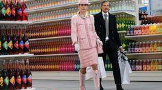 Défilé Chanel dans le Grand Palais transformé en supermarché, le 4 mars à Paris.