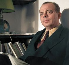 colorized by Jecinci // Antoine de Saint-Exupéry was a French writer, poet, aristocrat, journalist, and pioneering aviator. He became a laureate of several of France's highest literary awards and also won the U.S. National Book Award. He is best remembered for his novella The Little Prince (Le Petit Prince) // source: facebook.com/jecinci St Exupery, Non Plus Ultra, National Book Award, Writers And Poets, Free Thinker, The Little Prince, Modern History, Special People, Famous Faces