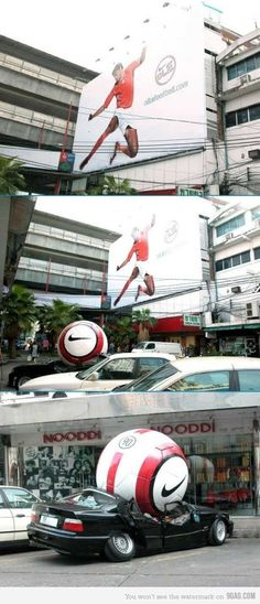 So Funny Epic Fails Pictures Girls and everything fails Out Of Home Advertising, Sports Advertising, Clever Advertising, Street Marketing, Guerilla Marketing, Football Ads, Nike Football, Great Ads, Epic Fail Pictures