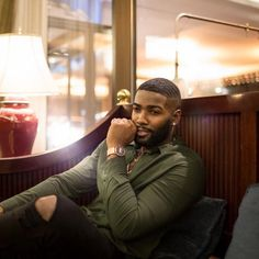 Fine Black Men, Gorgeous Black Men, Handsome Black Men, Fine Men, Beautiful Men, Black Man, Dark Skin Men, Beard Designs, Sexy Beard