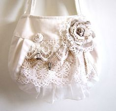 Shabby chic lace detail fabric handbag £30.00