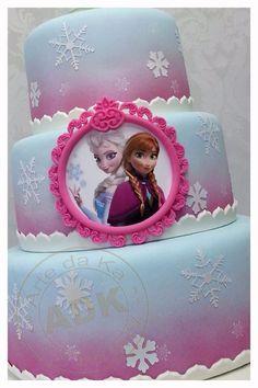 Torta di Frozen con decorazioni in pasta di zucchero n.05