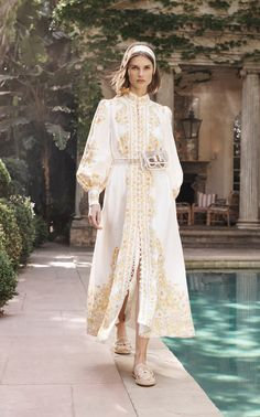 Zimmermann Resort 2020 Fashion Show Collection: See the complete Zimmermann Resort 2020 collection. Look 22 Foto Fashion, Trend Fashion, Fashion Week, Fashion 2020, Hijab Fashion, Fashion Show, Fashion Outfits, Womens Fashion, Runway Fashion