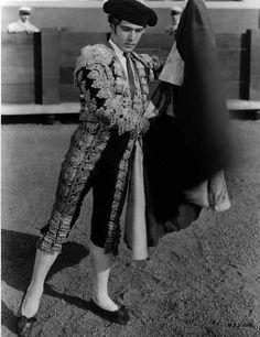 Rudolph Valentino - Juan Gallardo
