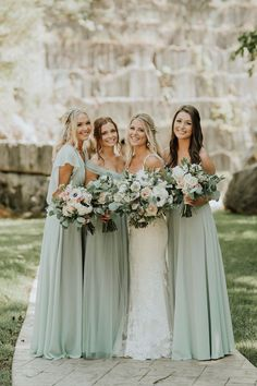 Wedding Color Trends: 30 Silver Sage Green Wedding Color Ideas - Green Dresses - Ideas of Green Dresses - - sage green wedding bridesmaids dresses and romantic bouquets T&K Photography Wedding Color Trends: 30 Silver Sage Gree Mint Green Bridesmaid Dresses, Wedding Bridesmaid Dresses, Dresses Dresses, Bridesmaid Ideas, Sage Dresses, Beautiful Bridesmaid Dresses, Chiffon Dresses, Evening Dresses, Bridesmaid Bouquet