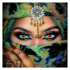 The Colors In This Cultural Diamond Painting Are Absolutely Brilliant To Me - The Womans Eyes In This DIY Portrait Diamond Painting Are Entrancing - Enjoy A Full Pasting Area Set With Full Square Drill Round Drill Diamond Options In Several Canvas. Pretty Eyes, Cool Eyes, Arabian Eyes, Dream Mask, Arabic Makeup, Arabic Beauty, Korean Beauty, Arab Women, Exotic Beauties
