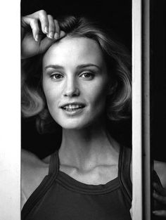 can we just take a moment to appreciate young jessica lange
