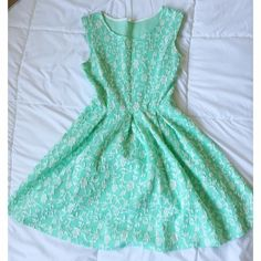 Mint Floral Dress Perfect condition, worn one time Dresses