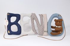 szyte literki z filcowym misiem sew letters with felt bear Baby Blankets, Baby Shoes, Felt, Letters, Sewing, Kids, Clothes, Young Children, Outfits