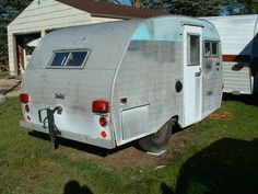 Tin Can Tourists is an all make and model vintage trailer and motor coach club. Tiny Trailers, Vintage Trailers, Camping Survival, Go Camping, Vintage Campers For Sale, Tin Can Tourist, Bus Camper, Scottie, Buses