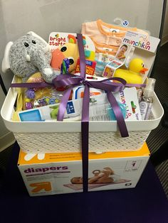 Brisk treated Baby Shower Gift basket go to this site Regalo Baby Shower, Baby Shower Gift Basket, Cheap Baby Shower, Shower Bebe, Baby Shower Gifts For Boys, Baby Girl Gifts, Baby Shower Parties, Girl Gift Baskets, Baby Baskets