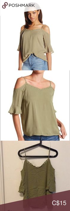 Noisy May Alberto Cold Shoulder Top Off Shoulder Tops, Cold Shoulder, Viscose Fabric, Plus Fashion, Fashion Tips, Fashion Trends, Spaghetti Straps, Army Green, Flare