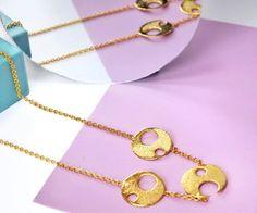 un miércoles llamado 🦋ARIS PTERON🦋•••Recuerda que hacemos envios nacionales, escribenos por este medio o al 3137216999 y te ayudamos con tu compra.———————A Wednesday called 🦋ARIS PTERON🦋•Remember we do national shipments, write us by inbox or 3137216999 and we will help you with your purchase #butterfly #jewelry #bijoux Arrow Necklace, Gold Necklace, Instagram, Jewelry, Souvenirs, Gold Pendant Necklace, Jewlery, Bijoux, Schmuck