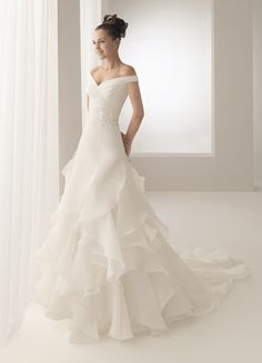 I may already be married, but maybe this can be a vow renewal dress!  So pretty!