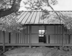 Knut Knutsen: Own summer house, Portør, 1949 School Architecture, Prefab, Norway, Netherlands, Scandinavian, Garage Doors, Outdoor Decor, Summer, Image
