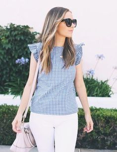 Summer Gingham DIY Top | This classic summer top takes only 1 yard of fabric!