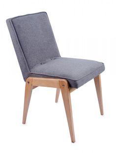 Komplet 4 krzeseł Aga Obornickie Fabryki Mebli, l. 60-70. XX w. po renowacji, drewno, obicie z tkaniny; wys. 77 cm, szer. 40 cm Estymacja: 1 700 - 1 900 zł