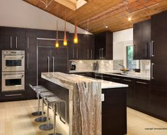 Armoires de cuisine on pinterest contemporary kitchens boutiques and butcher blocks - Boutique salle de bain quebec ...
