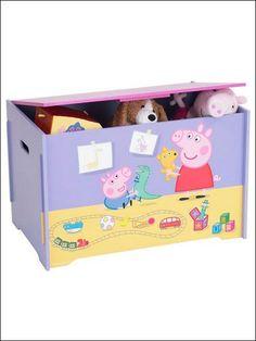 In robusto legno MDF, la cassapanca Peppa Pig è perfetta per riporre giocattoli e libri e incoraggia i bimbi a riordinare la loro cameretta!  Si monta facilmente e misura: 60cm x 40cm x 40cm.   solo su: http://www.robedacartoon.it/tutto-il-catalogo/in-cameretta/arredamento/cassapanca-peppa-pig-8431.html