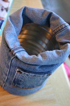 House Riding: 7 Ways Special Exhibit Flowers - jean pant leg Tin Can Crafts, Jean Crafts, Denim Crafts, Diy Home Crafts, Sewing Crafts, Sewing Projects, Artisanats Denim, Denim Shirts, Raw Denim