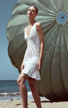 Herve Leger white sleeveless see through strap v neck 2017 newest arrival sexy bodycon rayon mini bandage dress