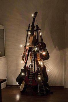 A musical Christmas Tree . Guitar Art, Cool Guitar, Guitar Shelf, Guitar Crafts, Guitar Room, Acoustic Guitar, Ukulele, Merry Christmas To All, Christmas Trees