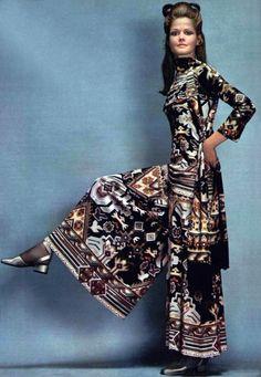 Léonard Paris L'Officiel magazine 1970 Seventies Fashion, 70s Fashion, Party Fashion, Fashion Photo, Vintage Fashion, Fashion History, Indian Fashion, Fashion Trends, Leonard Paris