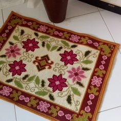 Tapete Floral, Hand Embroidery, Diy And Crafts, Home Decor, Crochet Carpet, Products, Bedroom, Tela, Drawings