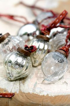 Silver & Clear Glass Baubles//