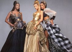 Naomi Campbell, Stephanie Seymour, Yasmeen Ghauri in VERSACE 1990