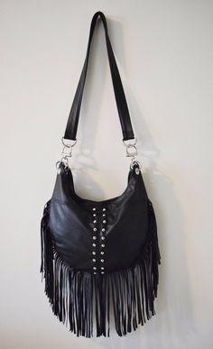 Black Leather Bag with Fringes | Schwarze Ledertasche Fringe von karenkalashnik auf Etsy